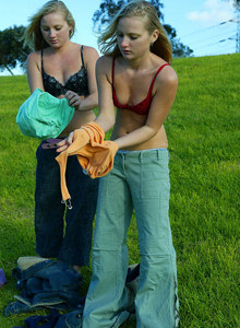 Blonde twins Rochelle and Shae in tight blue jeans