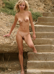 Hairy pussy blonde goddess nude outside