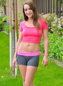 Puffy nipples chick Jeri in tight spandex outfit does nasty things outdoor